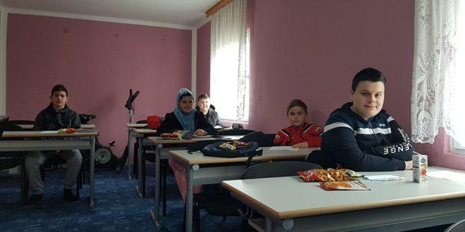 FOTO//Akcija u mektebu Hranković:Obradujmo djecu